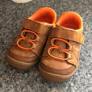 Stride Rite brown leather Toddler Sneakers